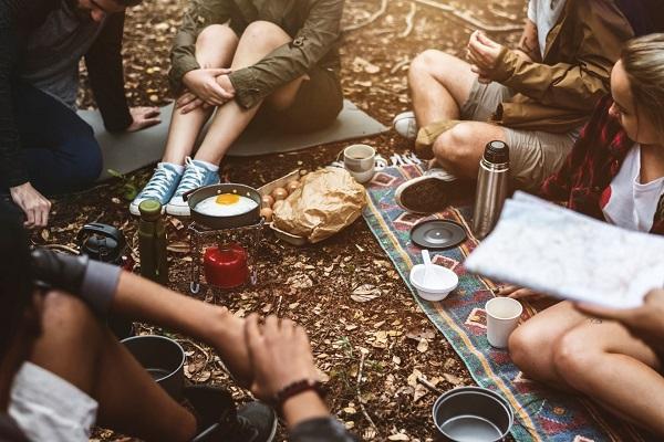 Tổng Hợp Các Món Ăn Được Yêu Thích Khi Đi Cắm Trại